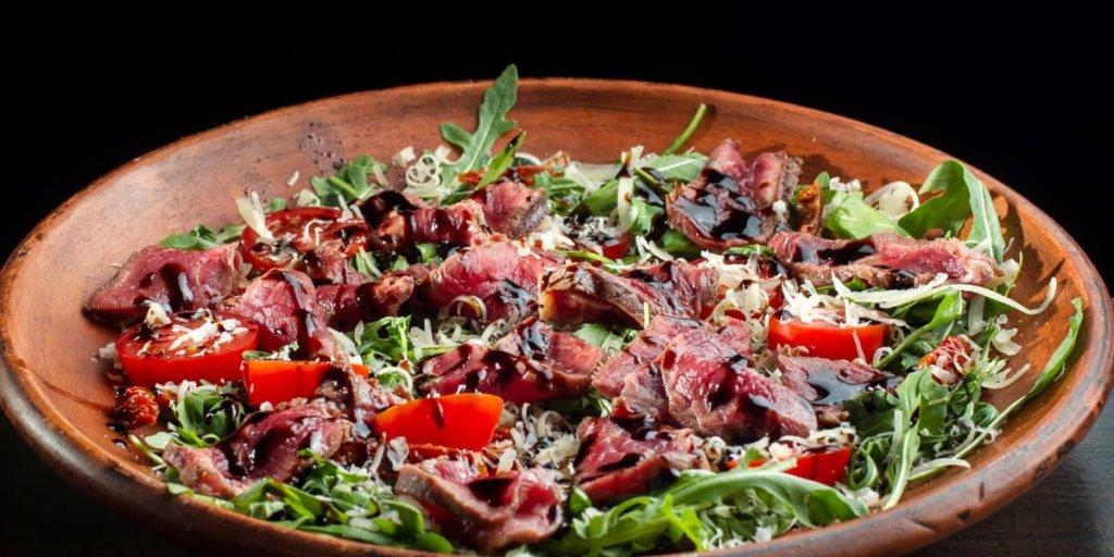 Kale, Arugula and Steak Salad